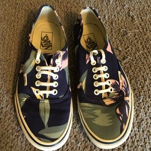 Vans Hawaiian flower shoes sz 8.5 men